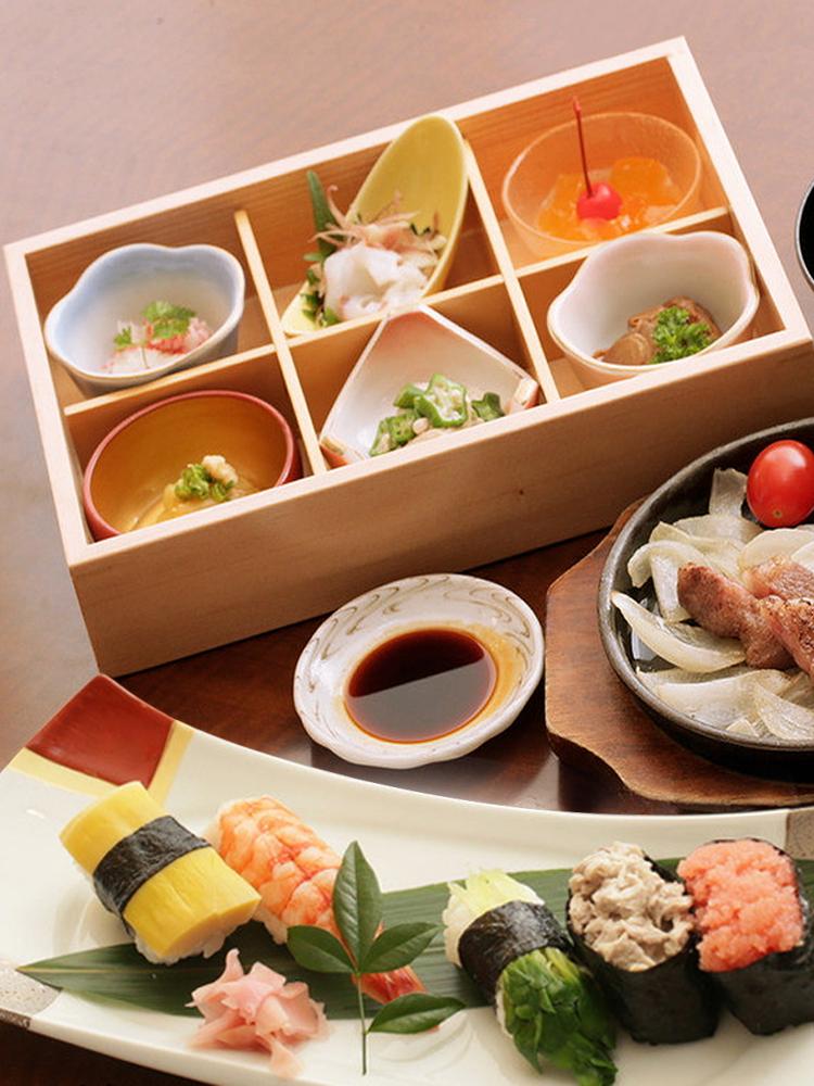 和风料理刺身盘二三四六格木盒多格寿司甜品九宫格木格盒日韩餐盘