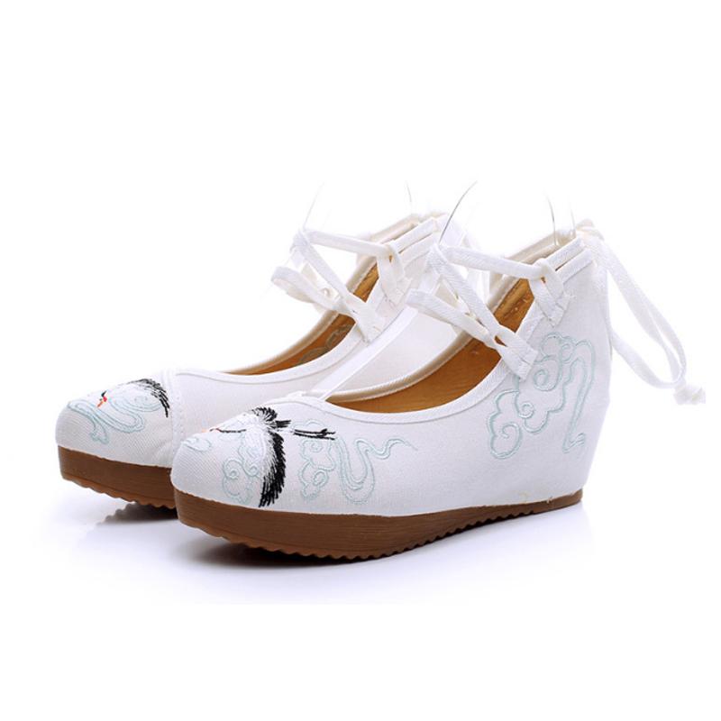 古风鞋子纯白汉服鞋子女老北京布鞋民族风内增高系带坡跟绣花鞋女