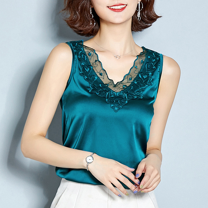 Wide shouldered silk satin suit with underlay drawstring blouse female lace chicken heart V-neck cut sleeve real ice silk vest