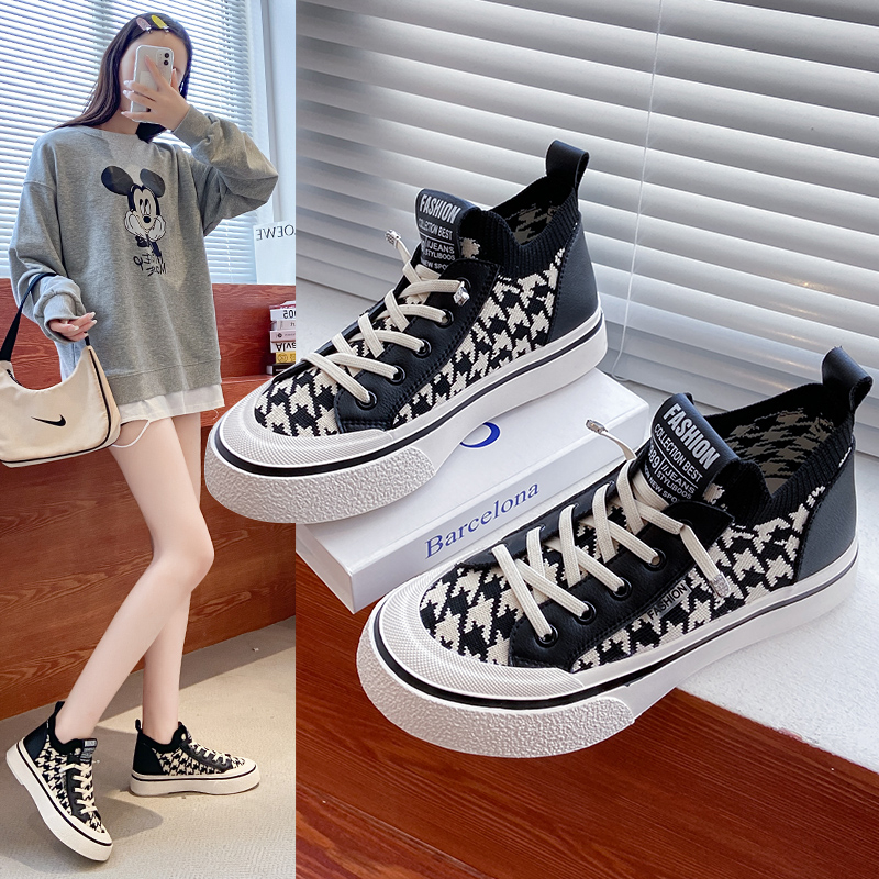 Canvas shoes womens 2021 autumn new flat bottomed versatile fashion board shoes breathable flying woven casual high top socks shoes trend