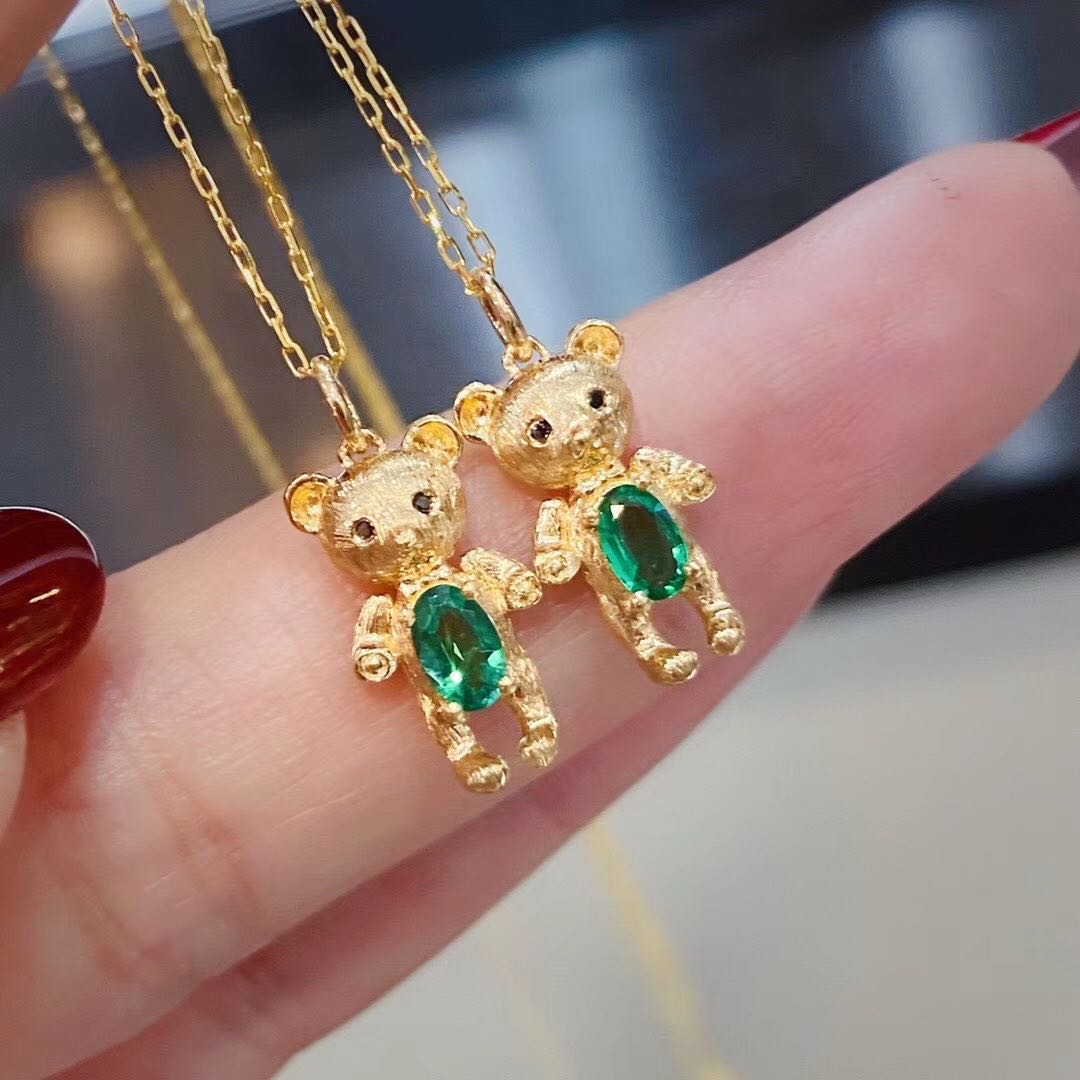 Kaqi 18K Gold cute bear Necklace inlaid with natural emerald 20 Fen 1250 / chain chain small cute Bear Pendant