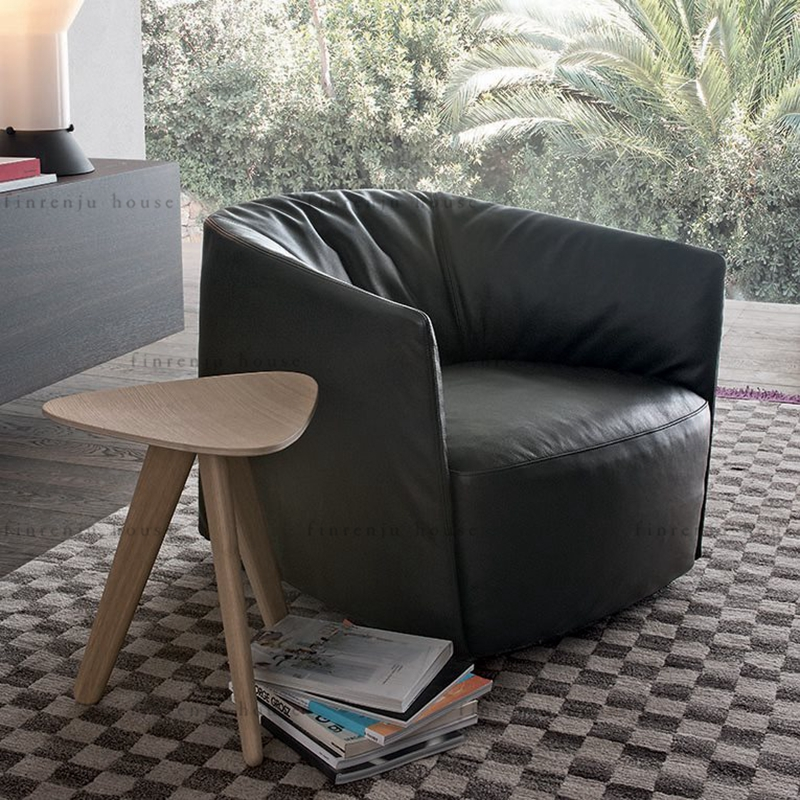 Nordic single seat sofa chair simple modern small family living room bedroom negotiation chair Italian cowhide leisure chair