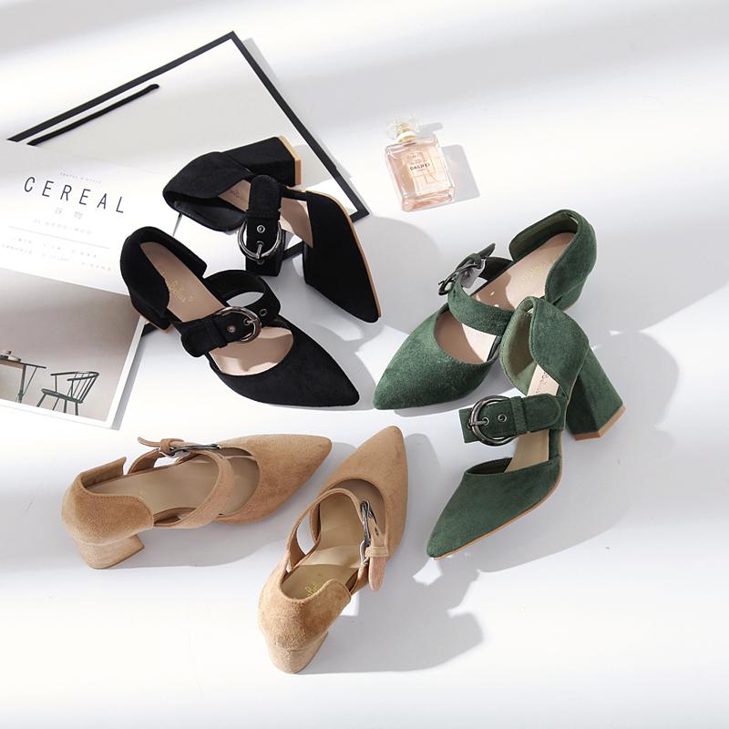 2017新款KB品牌粗跟中空单鞋尖头浅口斜绑带一字扣搭扣凉鞋女鞋子
