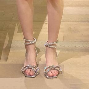 水钻粗跟凉鞋女2020年新款今年流行的鞋子时尚中跟设计感高跟鞋仙