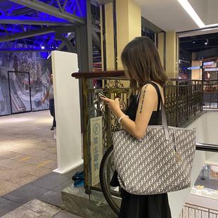托特包女2020年新款包包大容量帆布购物袋大学生上课单肩大包潮图片