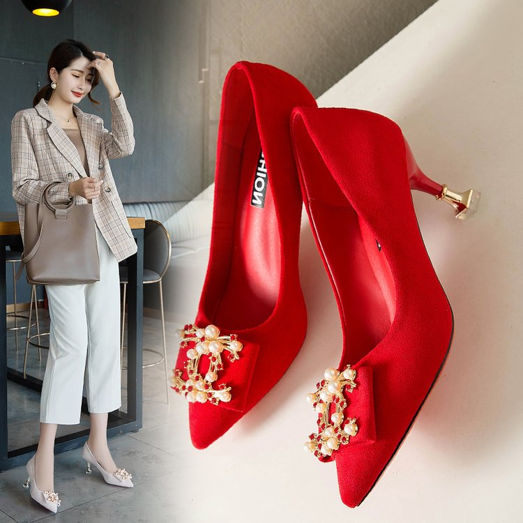 Red wedding shoes womens Stiletto High Heeled Shoes Xiuhe Longfeng shoes Chinese style square button wedding shoes bridal shoes middle heel pregnant women