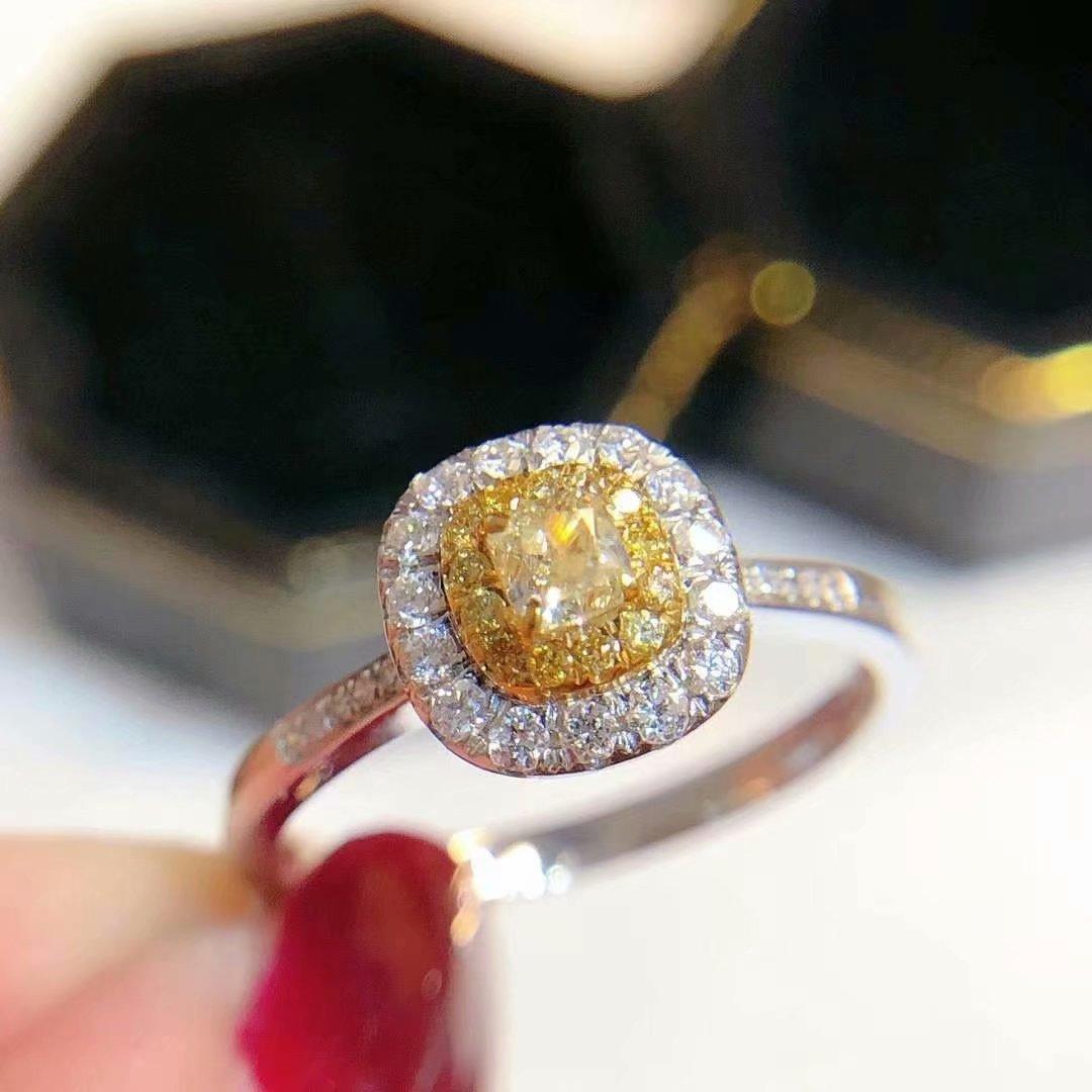 18K白金镶女款天然南非黄钻0.4克拉副钻0.22克拉钻石戒指真金真钻