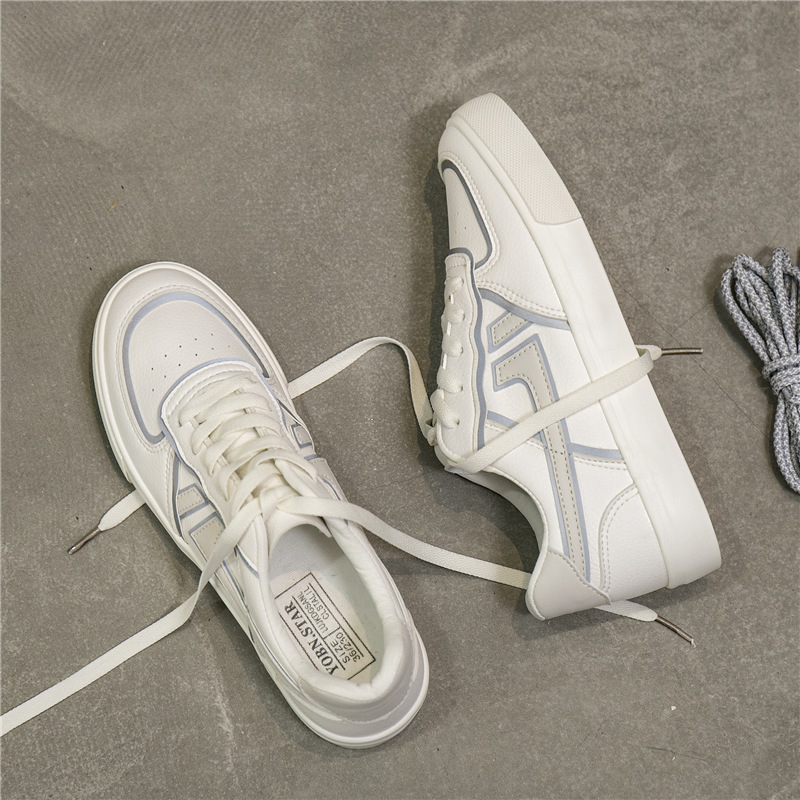 2020 new breathable autumn versatile small white shoes womens Korean street sports shoes flat canvas shoes student shoes