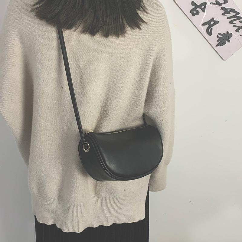 单肩小包包女包2021新款潮韩版百搭斜挎饺子包简约时尚复古手机包