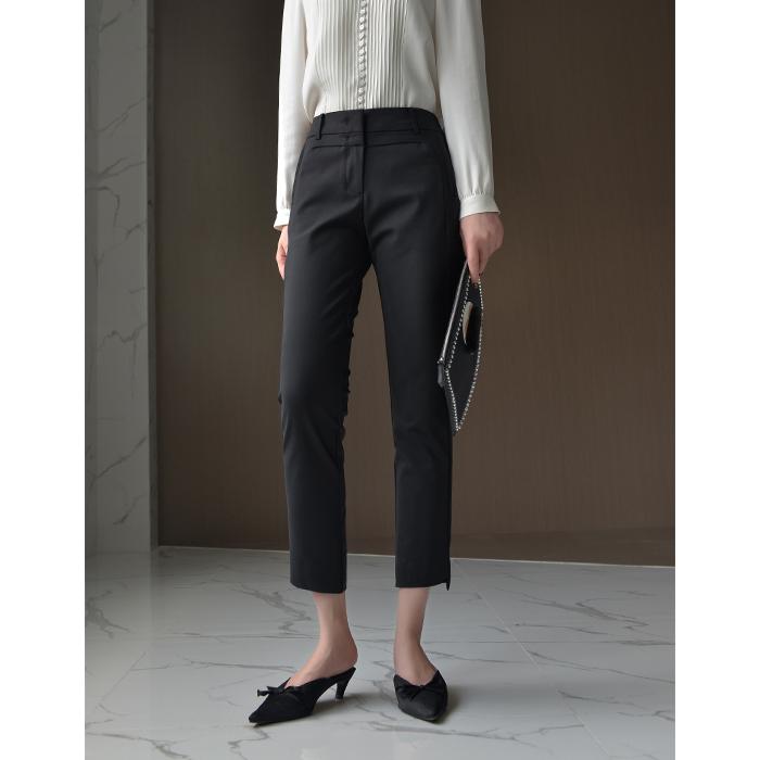开店以来可以排在TOP3内的小黑裤~!亦正亦闲的春季黑色9分西裤