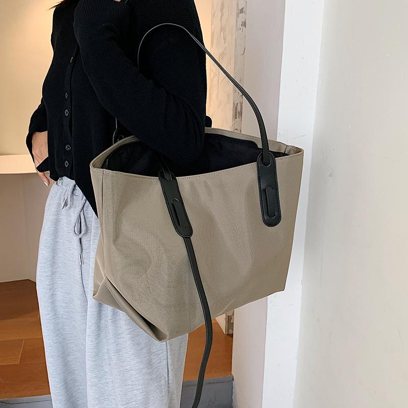 秋冬通勤包包2020新款潮时尚布包网红单肩包大容量女包百搭托特包