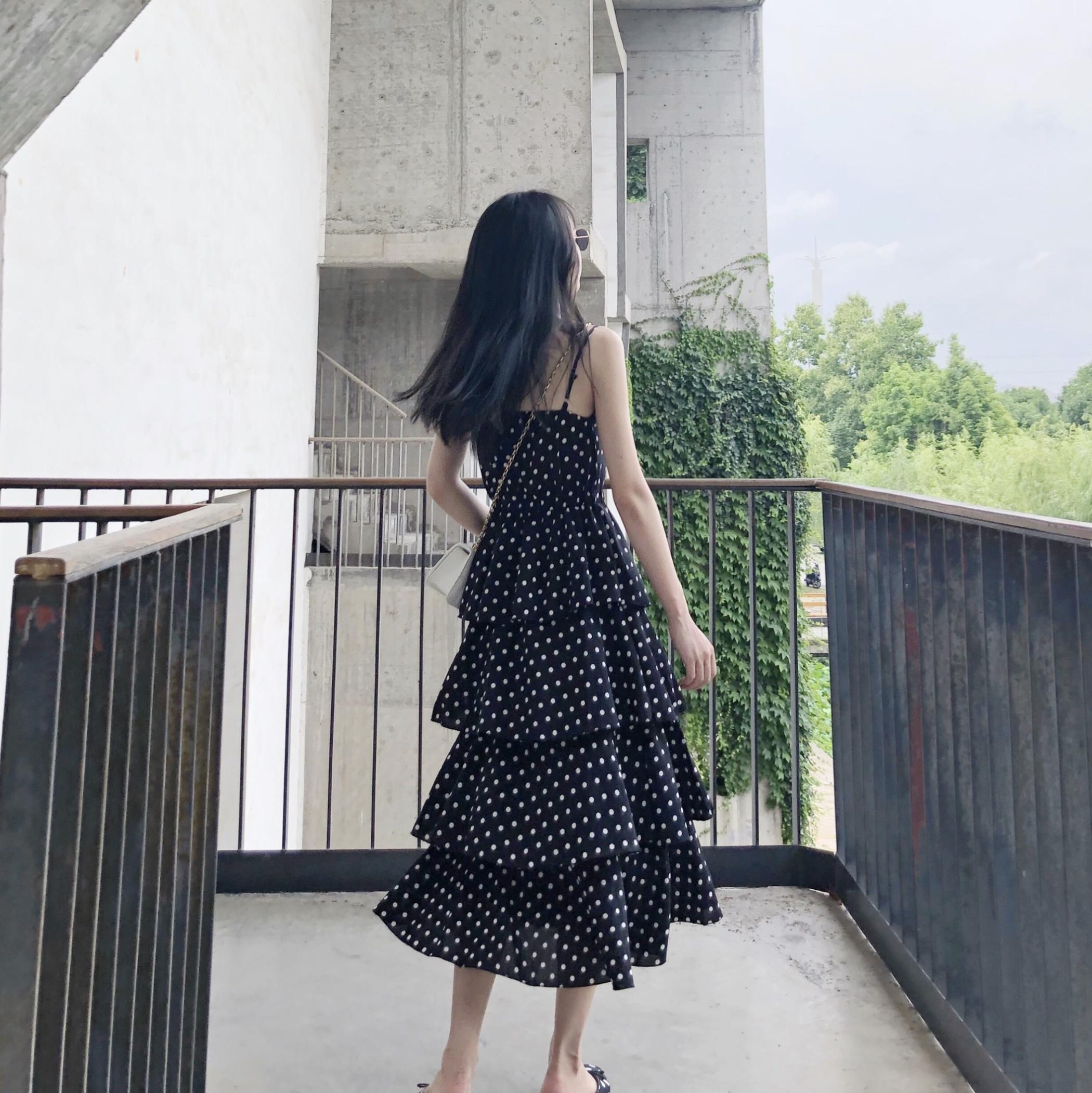 吊带裙子女2018新款夏季雪纺波点蛋糕裙过膝长款连衣裙泰国度假裙