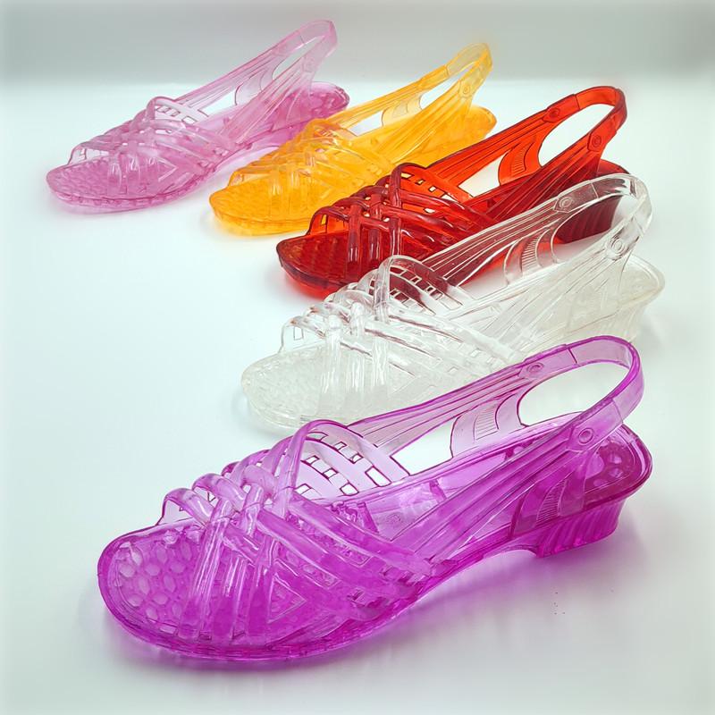 2020时装凉鞋女坡跟塑料奶奶拖鞋果冻鞋透明水晶鞋纯色夏季沙滩鞋