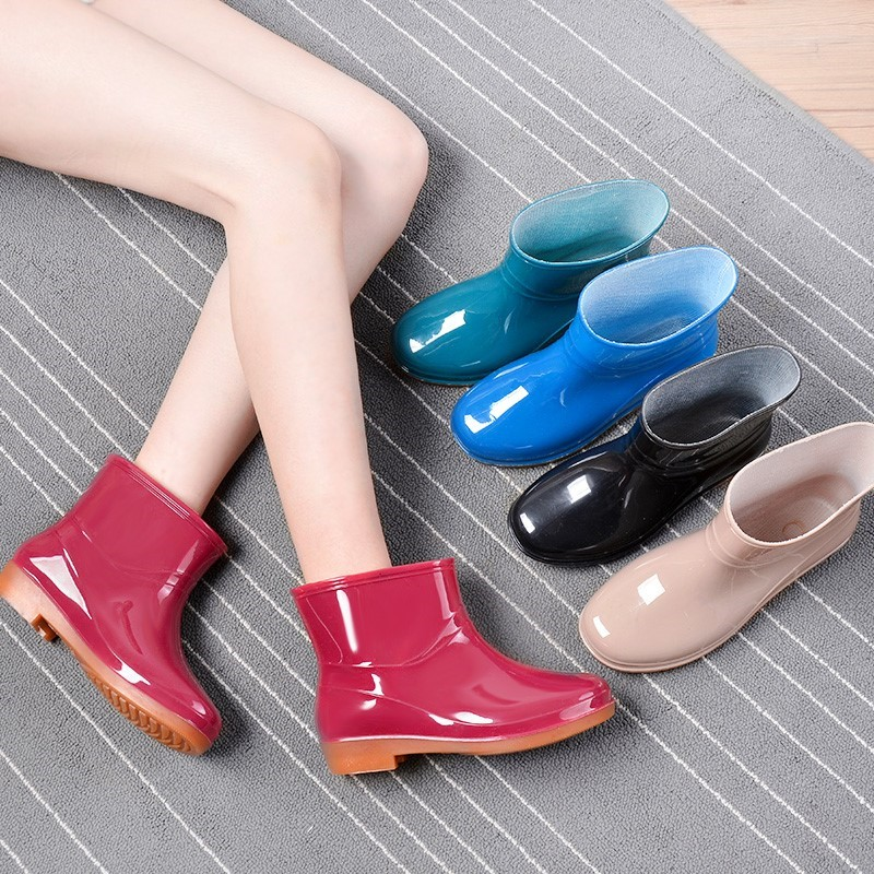 Soft bottom and soft surface womens rain boots comfortable low tube womens water shoes summer net red same fashion foreign style foot tube