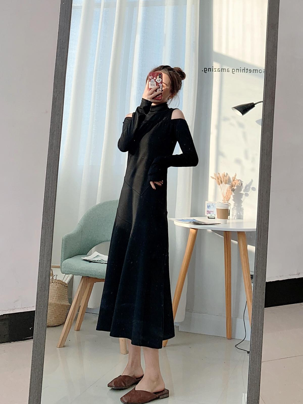 六六定制 斩男约会女神风 超显高显瘦韩国小众设计露肩修身连衣裙