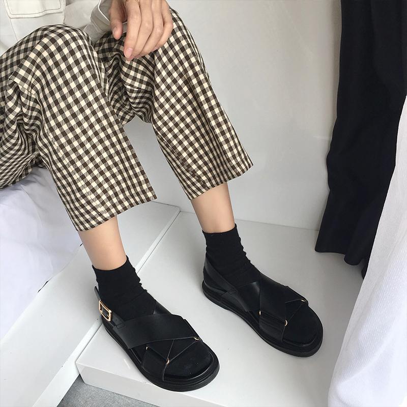 Ху прутняк китайский лян HUCHUJING лето корейский натуральная кожа шлепанцы тенденция песчаный пляж обувной досуг скольжение сандалии женщина