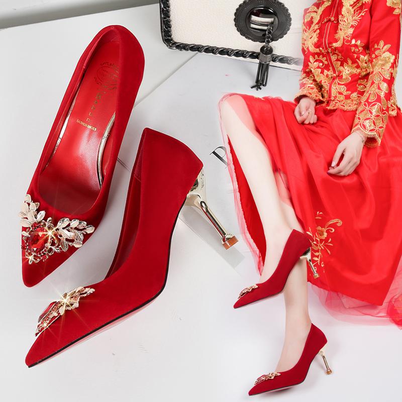 红色婚鞋女2020新款中式冬季高跟细跟新娘鞋秀禾婚纱结婚孕妇女鞋图片
