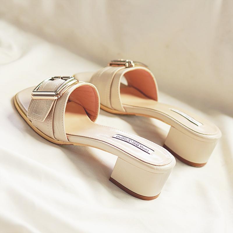 凉拖鞋女2019夏季新款粗跟外穿韩版中跟旅游一字拖沙滩高跟女时尚