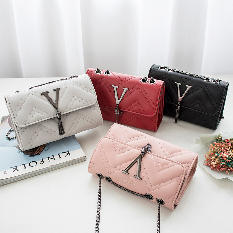 Womens one shoulder bag 2020 new silk hanging trademark chain Messenger Bag Fashion Leisure multi-layer cabinet small square bag