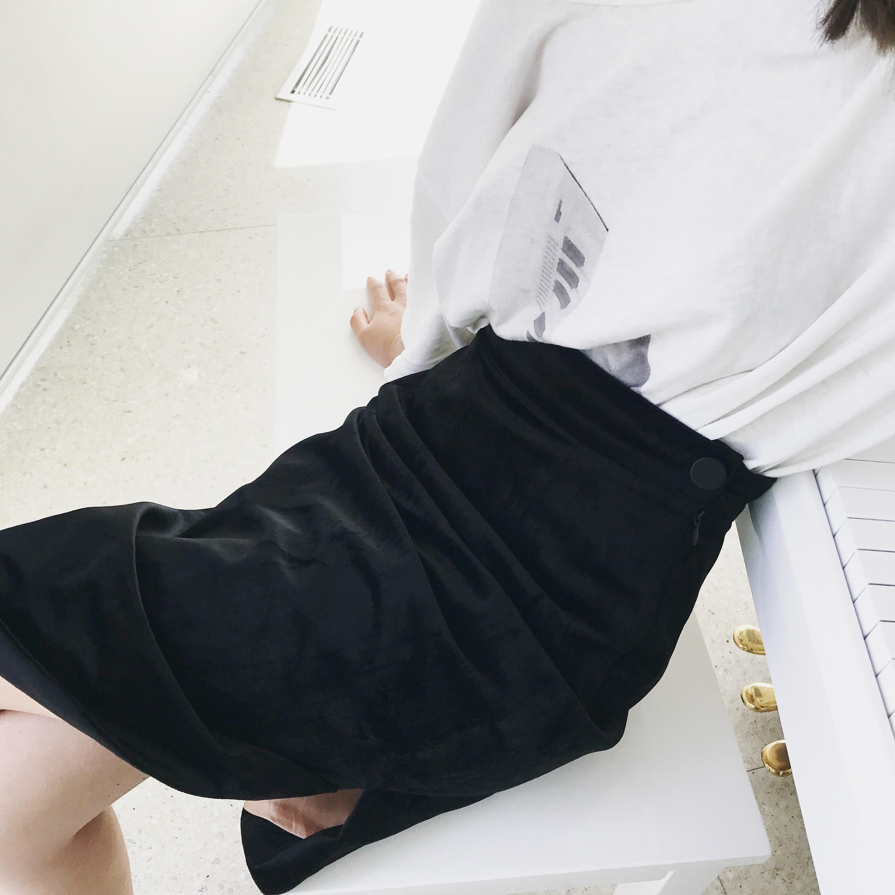 vcruan 阿希哥半身裙夏女2018新款chic斜边复古丝绒a字包臀短裙潮