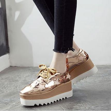 松糕鞋厚底女休闲鞋 秋冬韩版星星漆皮学生百搭英伦坡跟方头单鞋