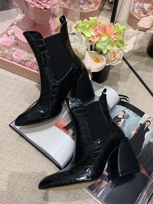 田娇baby原创设计冬季短款真皮靴子女新款黑色鳄鱼纹轻奢百搭短靴