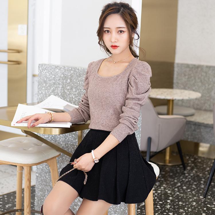韩国东大门复古方领针织衫女2021新品纯色套头泡泡袖露锁骨上衣