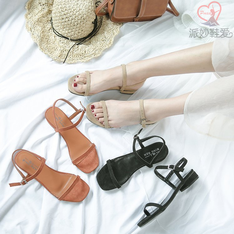 Sandals women 2020 new flat thick heel medium heel womens summer one line buckle womens low heel comfortable solid color