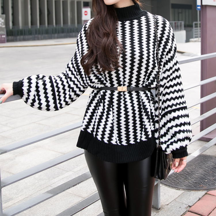 Autumn and winter new style high collar black and white stripe loose top long sleeve sweater