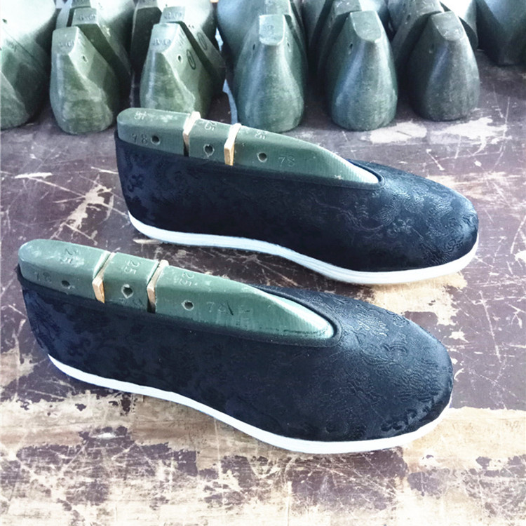 Old Beijing cloth shoes thousand layer sole male leather sole youth retro spring and autumn monk shoes and handmade leisure Chinese shoes