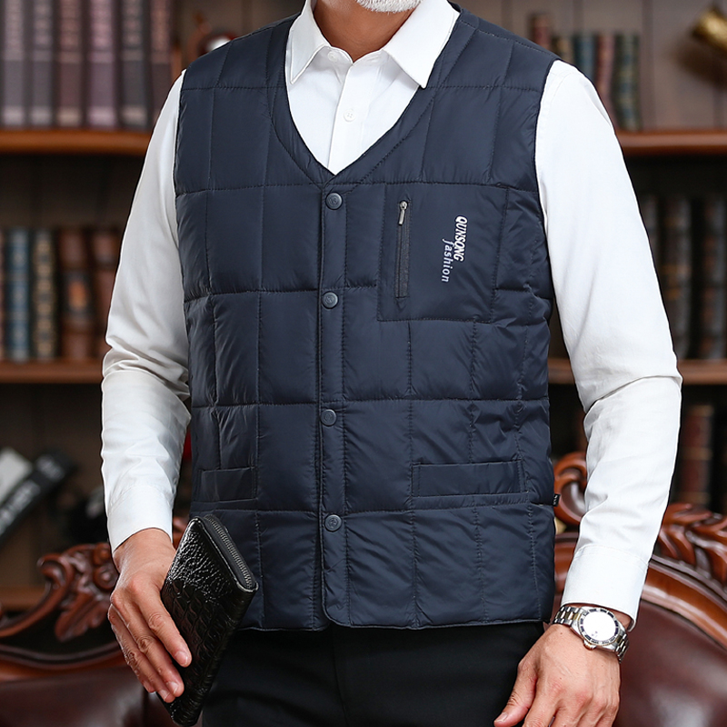 Off season clearance in 2021 middle aged and old peoples down vest mens down jacket fathers warm large vest
