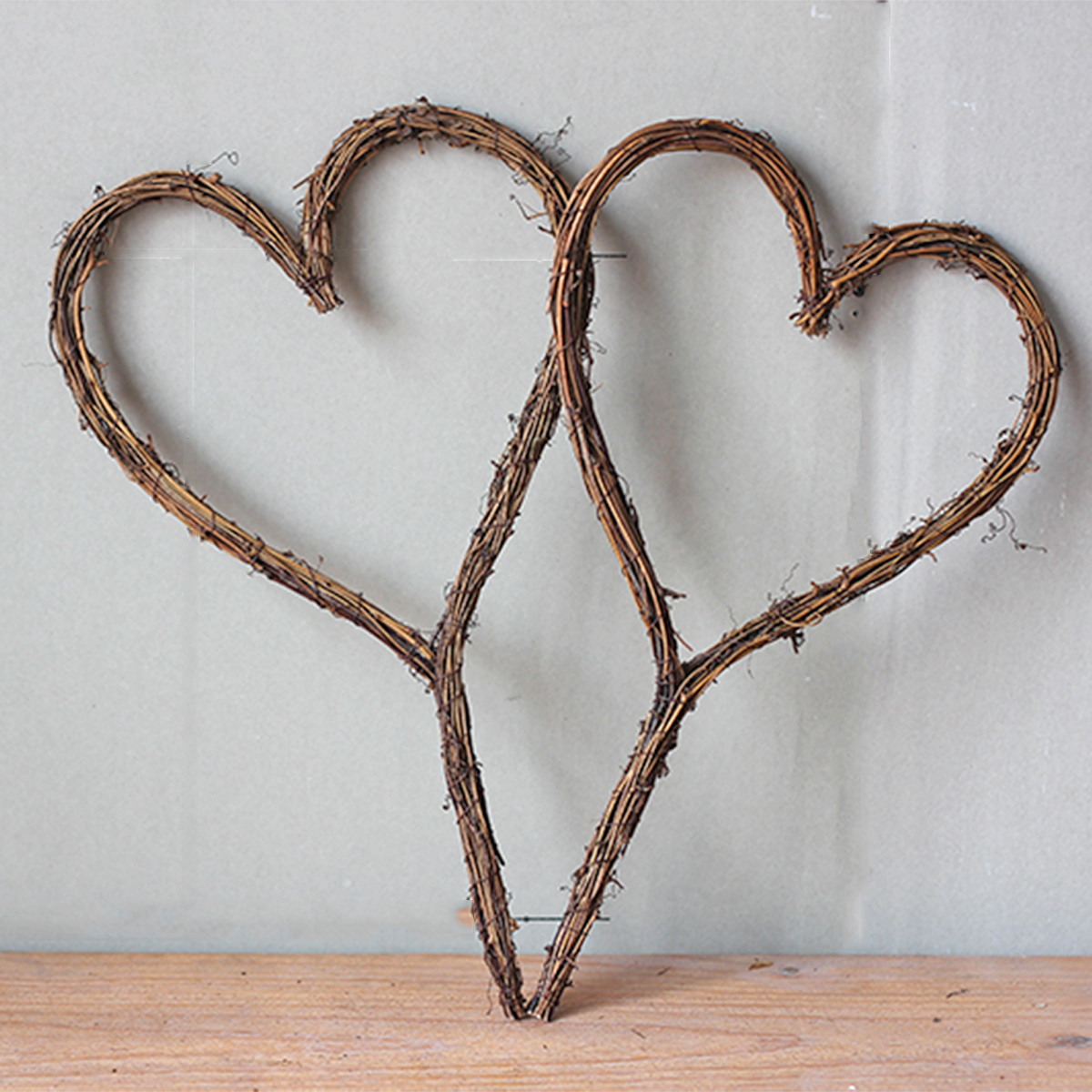 Rattan braided branches heart-shaped heart-shaped garland decoration retro DIY flower arrangement wall hanging living room window decoration materials