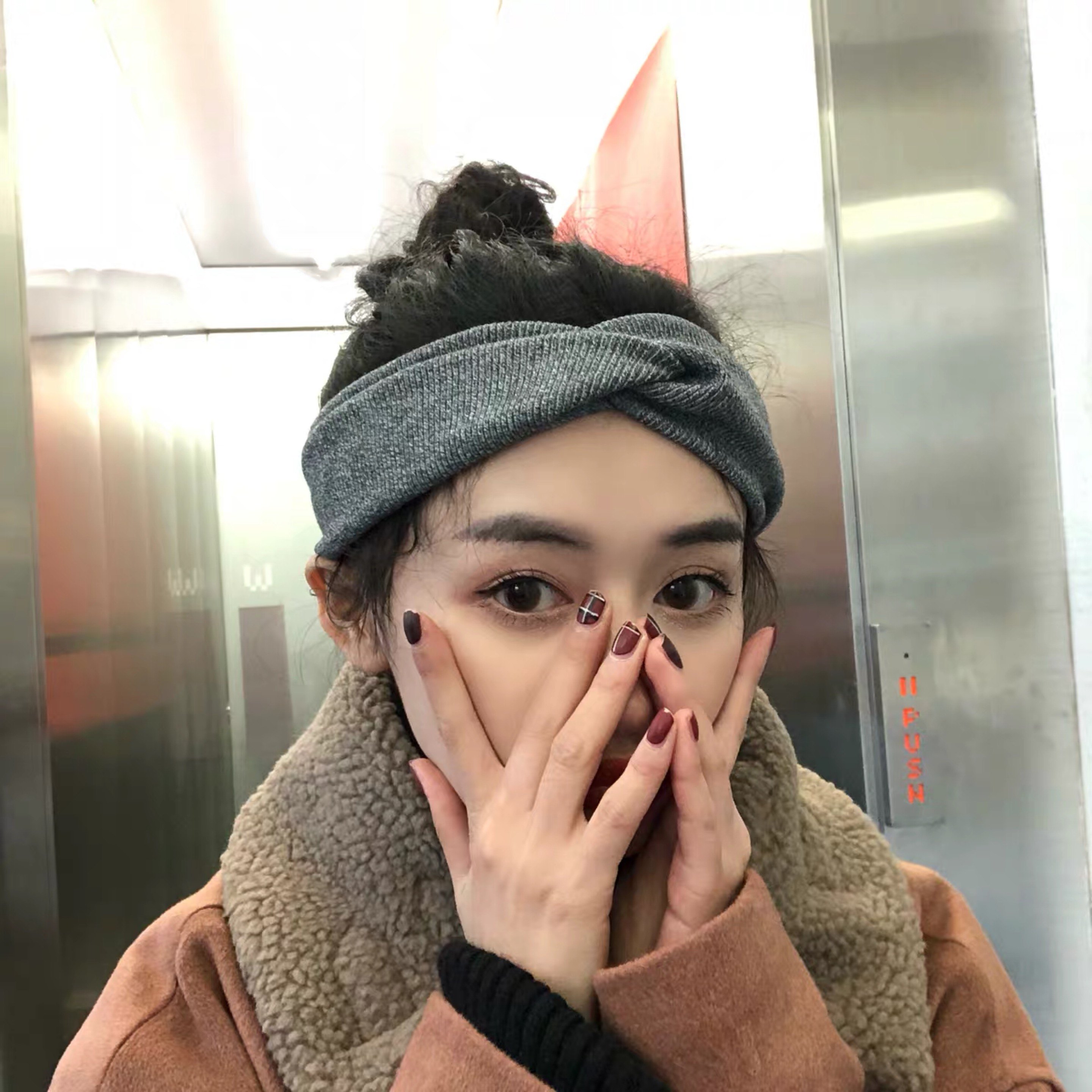 Package mail: Korea retro solid knitting cross hair band womens autumn and winter all kinds of wool headband wide edge Hair Band
