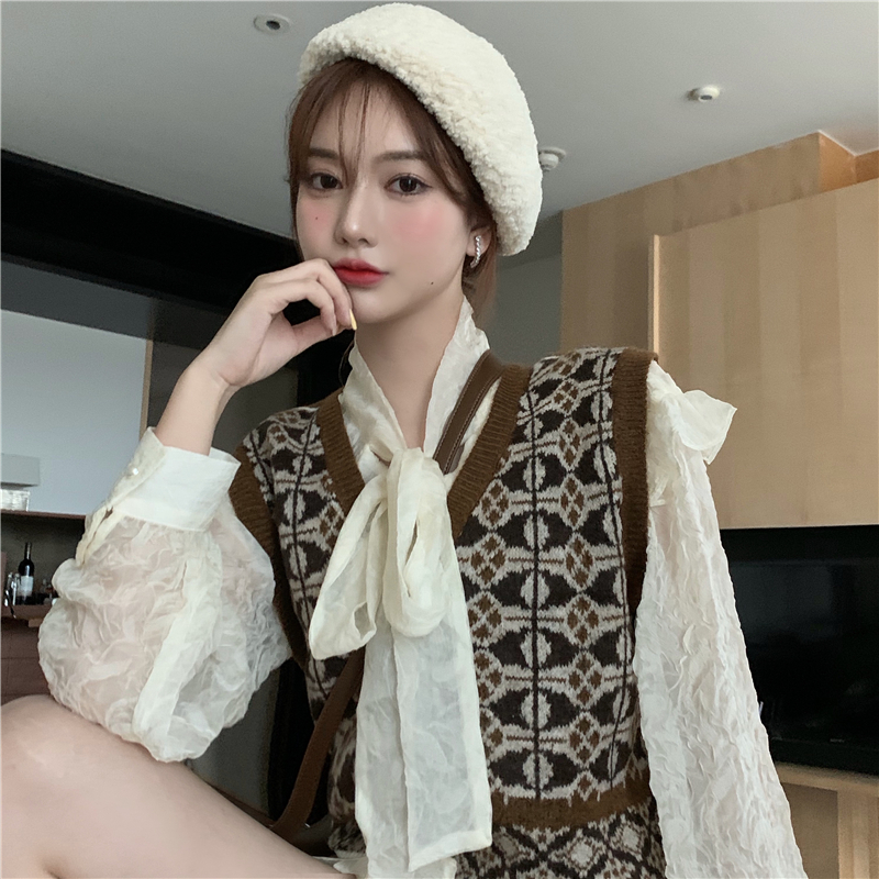 Vest knitted vest for women autumn / winter 2020 new loose Pullover V-neck pattern retro sleeveless jacket top ins
