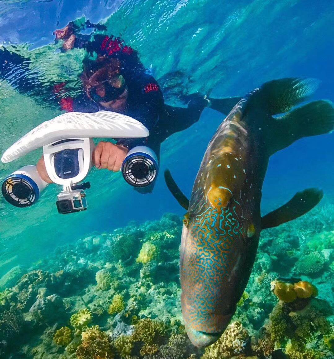 Swimming hand held underwater thruster electric small engine rowing boat stern engine underwater motor thruster