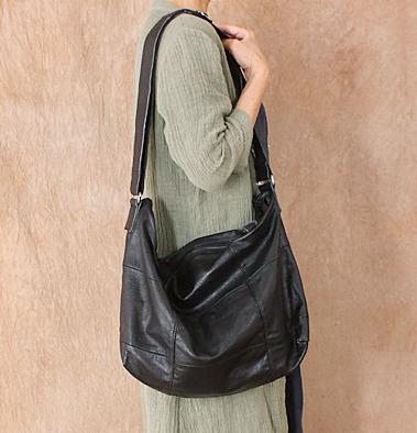 2019 spring / summer leather oversized bag womens splicing head layer soft leather Single Shoulder Bag Messenger simple leisure commuting