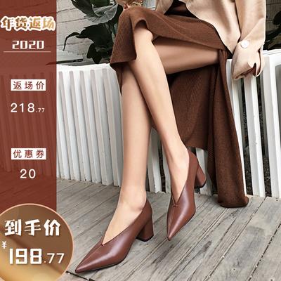 尖头单鞋2019春款粗跟浅口中跟复古女鞋奶奶鞋真皮百搭新款高跟鞋