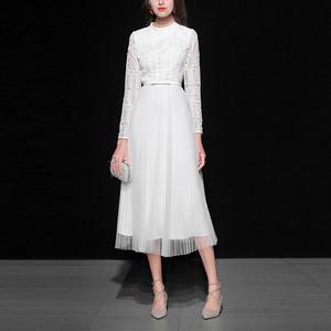 春装女装2020新款白色蕾丝长裙气质网纱收腰中长款百褶连衣裙