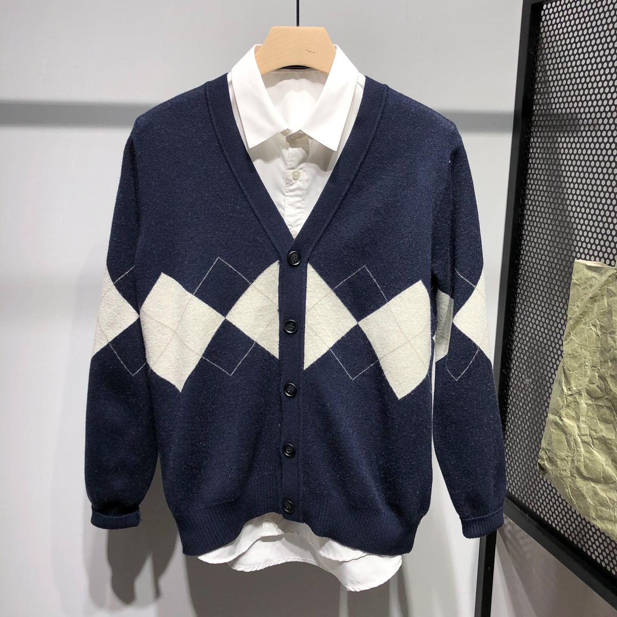 几何图形针织开衫男士修身纽扣开衫潮秋冬针织毛衣外套个性设计图片