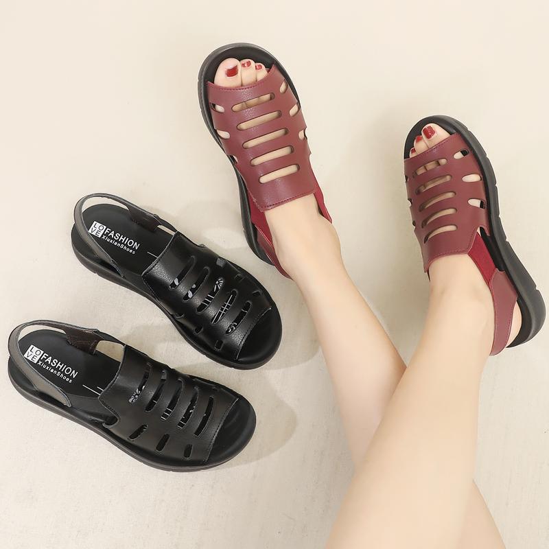 妈妈凉鞋夏平底软底中老年人鞋子