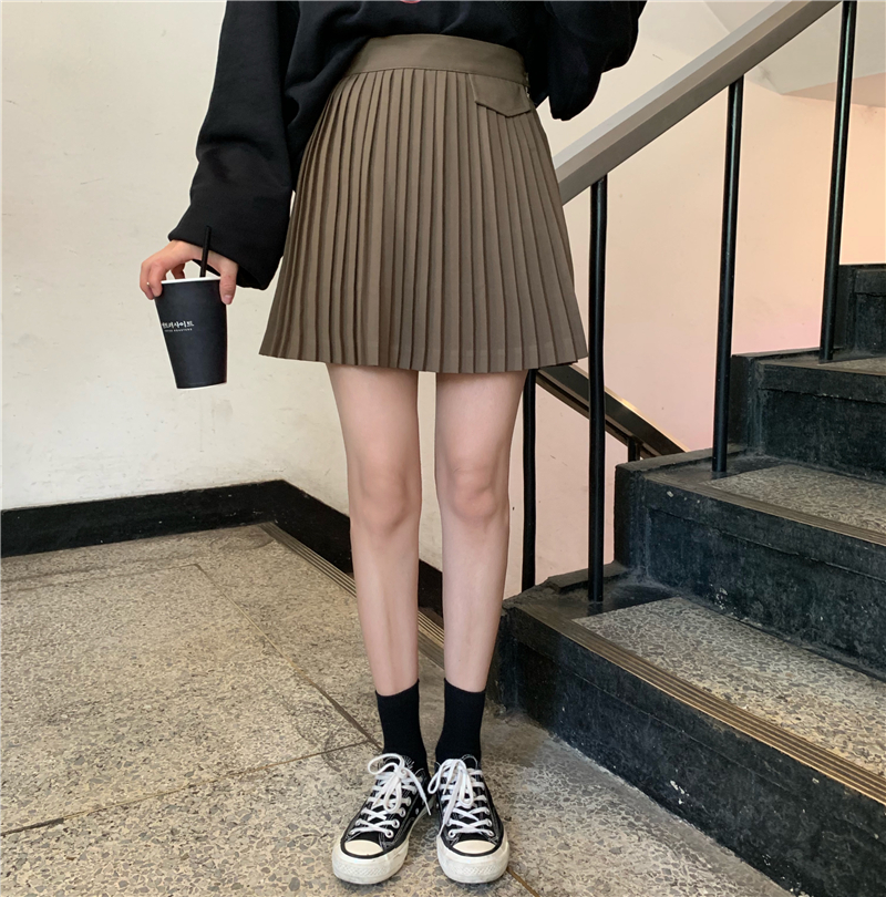 Pleated skirt spring / summer 2020 new Korean version ins super fire net red age reduction high waist slim and versatile A-shaped skirt