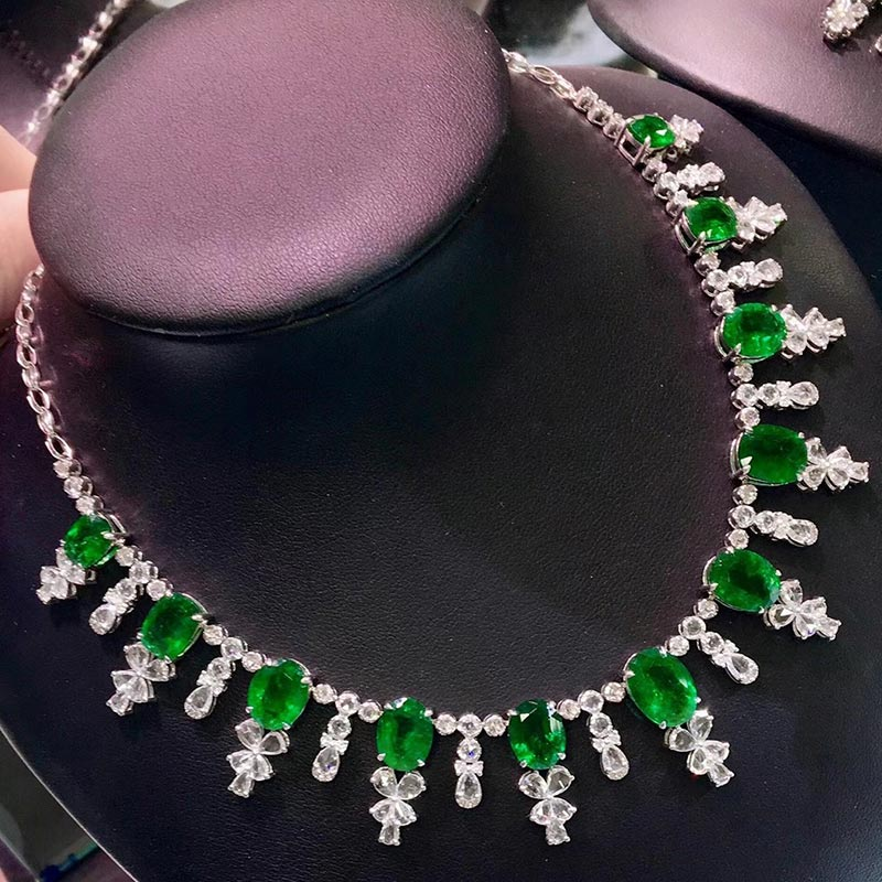 Natural emerald 18K gold necklace inlaid with gem jewelry colorful gem jewelry pendant neck ornament tourmaline Sapphire
