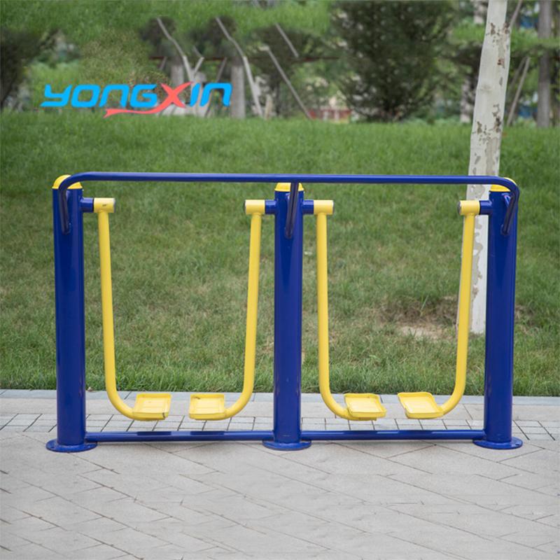 屋外のフィットネス器材団地広場のウォーキングマシンは老人の新しい農村公園のパスを組み合わせて屋外のスポーツジムを作ります。