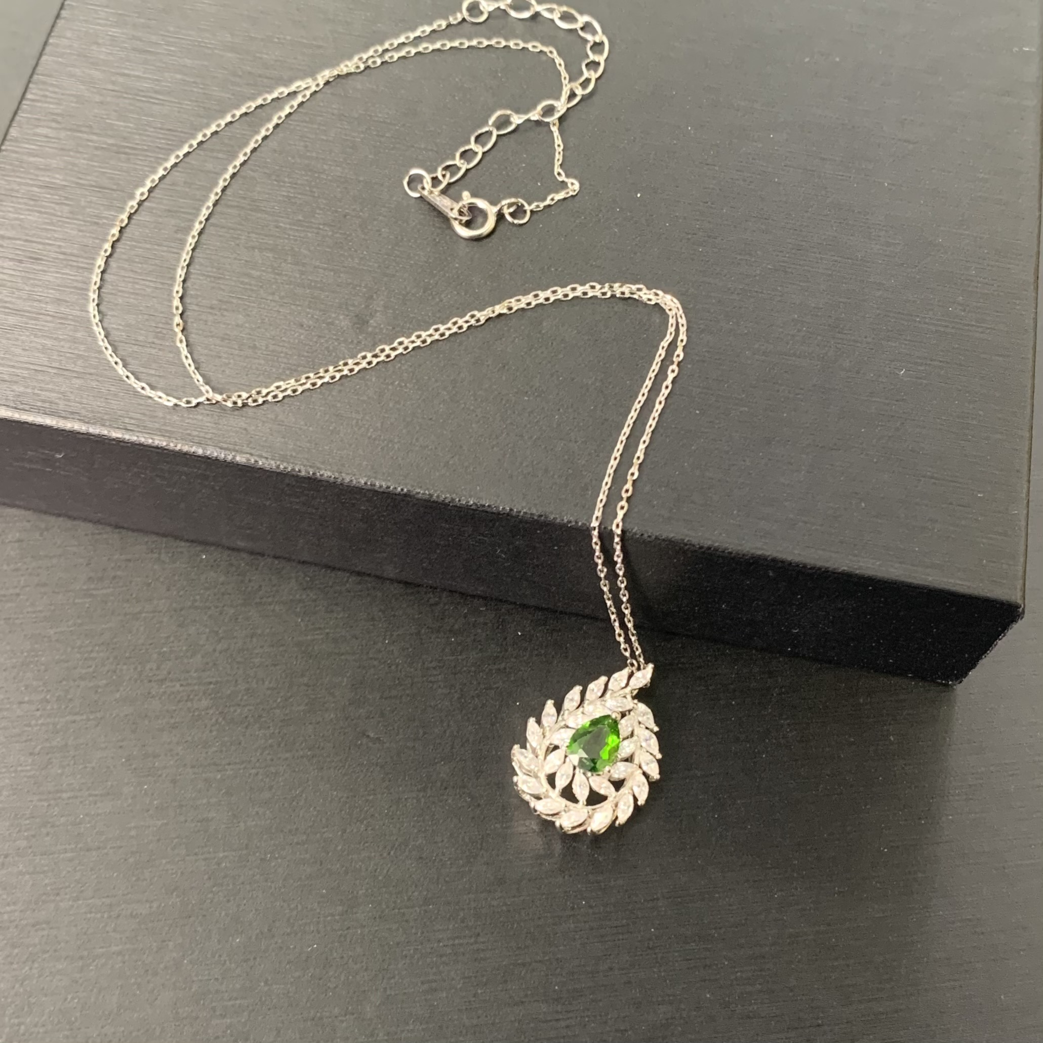 [Jier jewelry] pure natural olivine Necklace xl-48