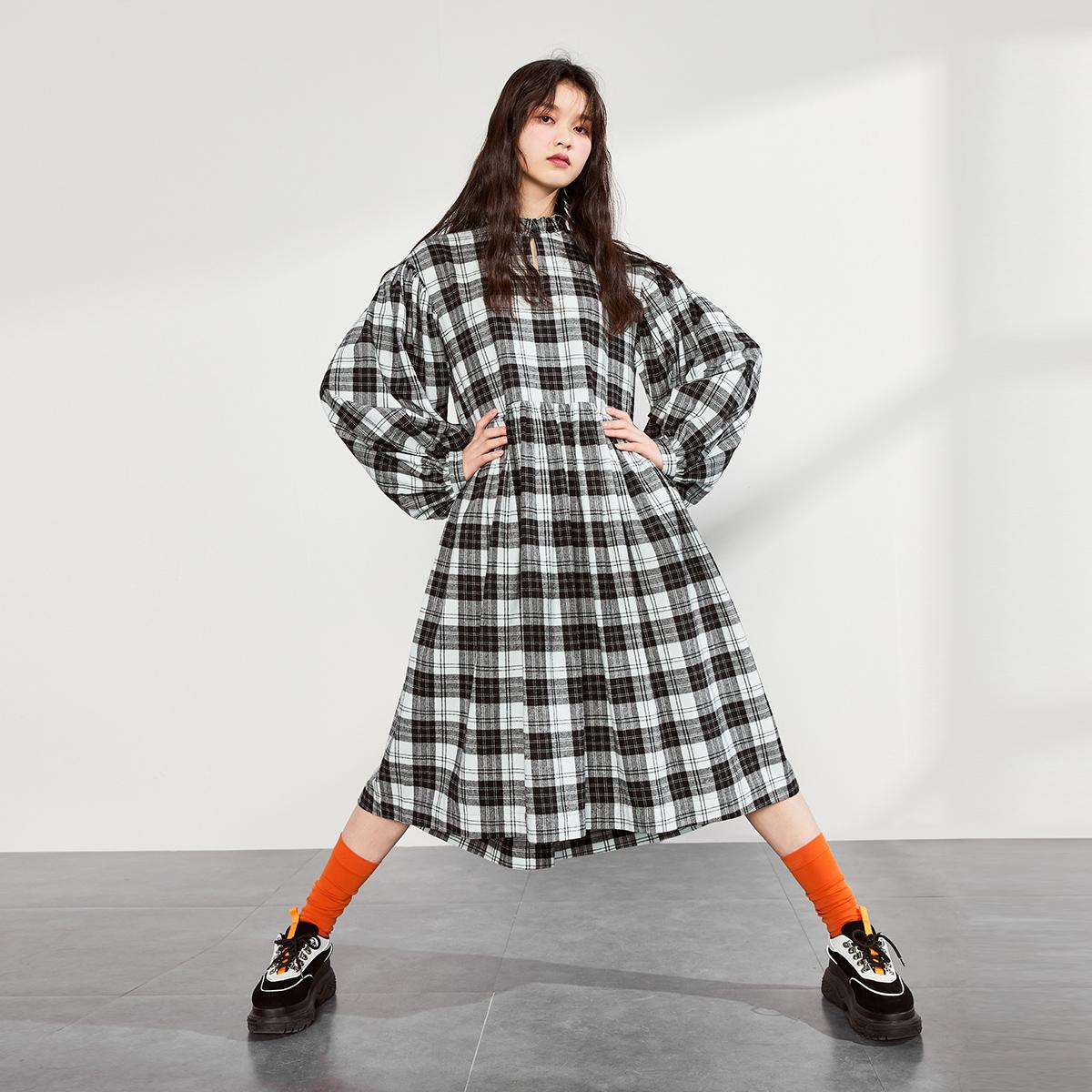 太平鸟黑白格子女韩版2019连衣裙限100000张券