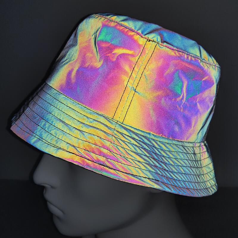 2021新款彩色反光帽欧美街头炫彩镭射渔夫帽情侣款街潮个性嘻哈帽