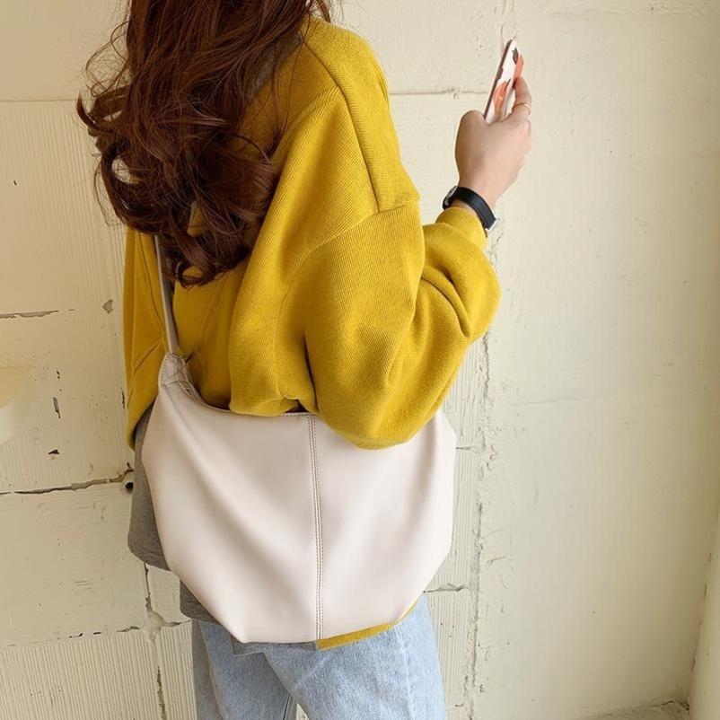 Womens bag versatile large capacity carrying bag diagonal bag Japanese net red handbag classic trend diagonal back womens backpack