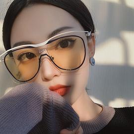 韩版超酷网红防风个性连体墨镜男大框大脸白色黄色太阳镜女潮眼镜图片