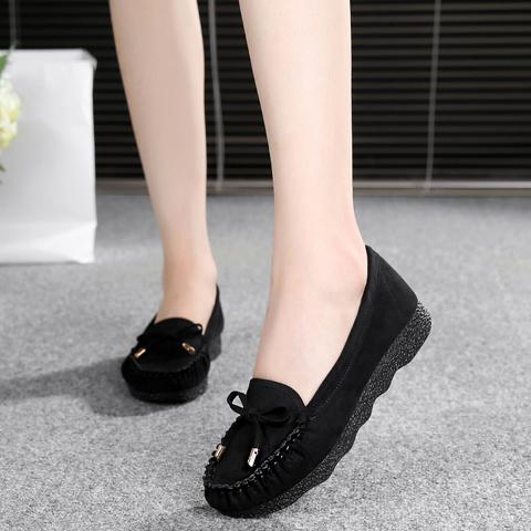 春夏の古い北京布靴の女性靴のトットちゃん靴の底の蝶々結びの百足単靴の黒い仕事靴の女性のカジュアル靴