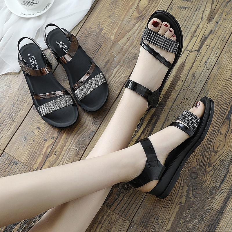 妈妈50凉鞋夏季平底女鞋中年中老年坡跟女士40岁厚底中跟2019新款热销17件不包邮
